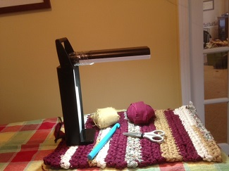 task lamp with knitting