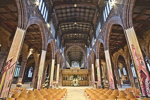 By Michael D Beckwith (Manchester Cathedral) [CC BY 2.0 (http://creativecommons.org/licenses/by/2.0)], via Wikimedia Commons A view of the nave inside Manchester Cathedral