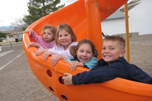 cuatro niños